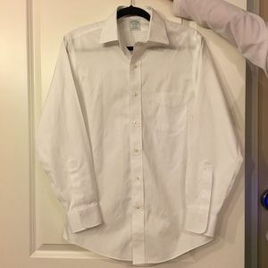 Brooks Brothers White Slimfit Button Down w/pocket